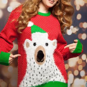 Weihnachtspullover für Damen mit Eisbär rot